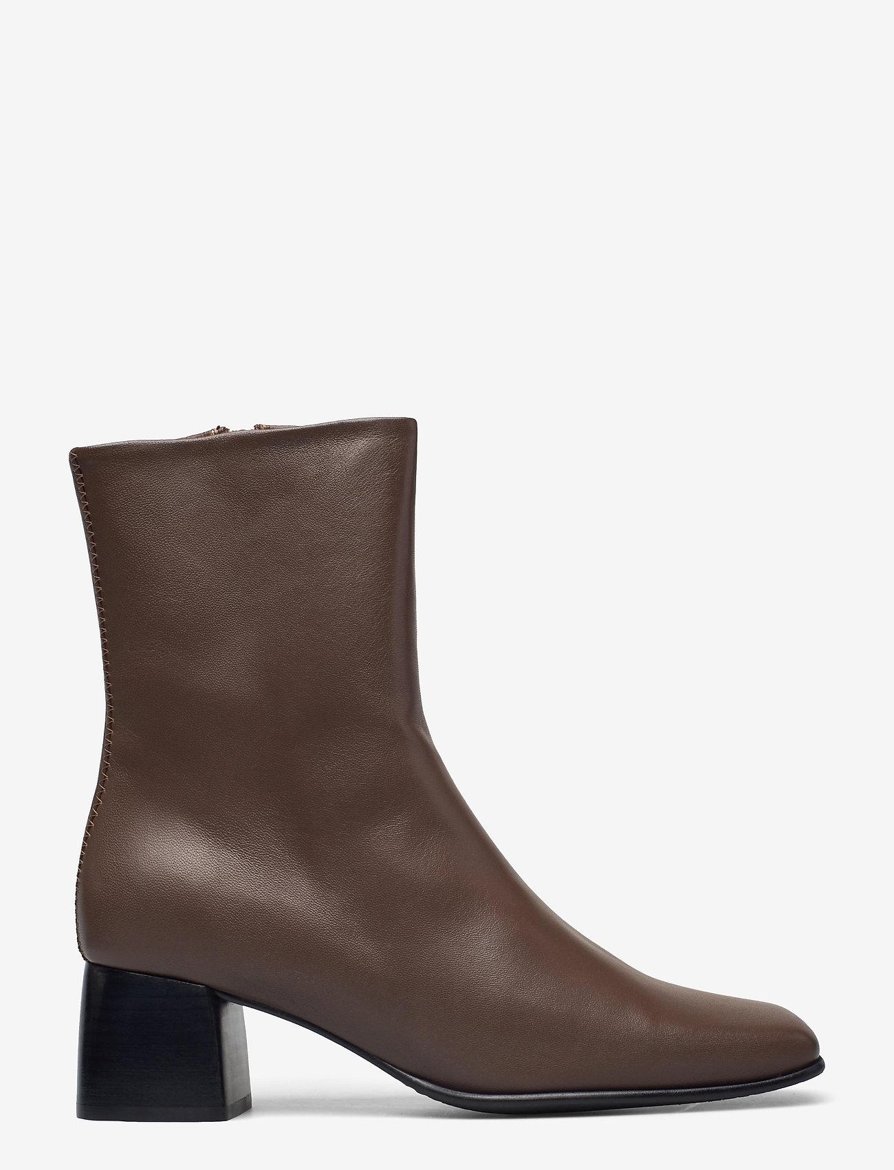 Filippa K - Eileen Leather Boot - stiefeletten mit absatz - grey taupe - 1