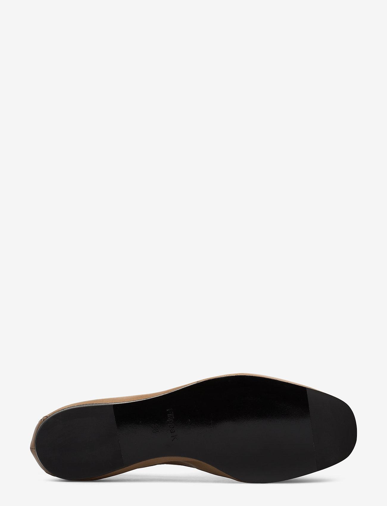 Rey Flat (Almond Bro) - Filippa K