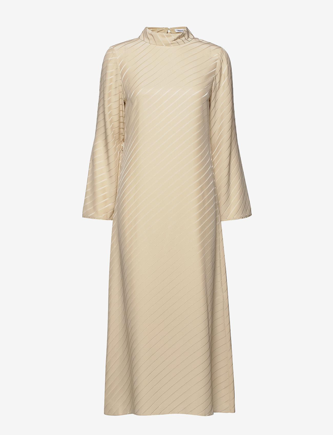 Filippa K - Vanessa Silk Dress - kveldskjoler - ecru - 0