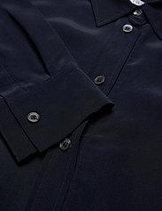 Filippa K - Classic Silk Shirt - långärmade skjortor - navy - 2