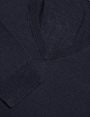Merino V-Neck Pullover