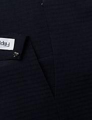 Filippa K - Trapeze Tunic - short-sleeved blouses - navy - 2