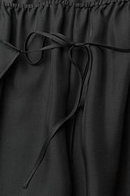 Filippa K - Lulu Silk Trousers - wide leg trousers - enigma - 2