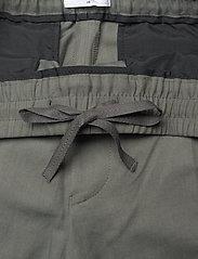 Filippa K - M. Terry Cropped Linen Slacks - casual broeken - green grey - 2