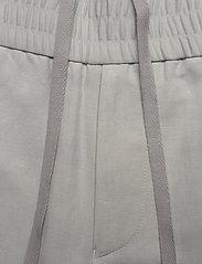 Filippa K - M. Terry Cropped Linen Slacks - pantalons décontractés - sterling g - 3