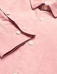 Filippa K - M. Tim Oxford Shirt - chemises basiques - pink cedar - 2