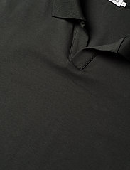 Filippa K - M. Lycra Polo T-Shirt - kortermede - dark spruc - 2