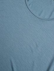 Filippa K - Tencel Scoop-neck Tee - basic t-shirts - blue heave - 2