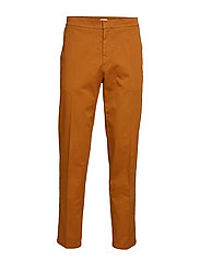 M. Toby Cotton Chino - DARK OCHRE