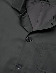 Filippa K - M. Louis Gabardine Jacket - overshirts - dark spruc - 2