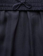 Filippa K - Juliet Skirt - midinederdele - deep blue - 2