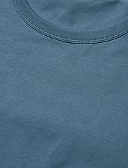 Filippa K - M. Lukas Tee - t-shirts basiques - blue heave - 2
