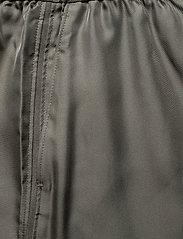 Filippa K - Madelyn Short - shorts casual - green grey - 2