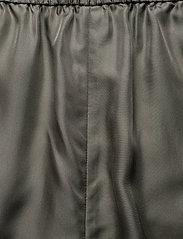 Filippa K - Madelyn Short - shorts casual - green grey - 3