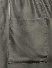 Filippa K - Madelyn Short - shorts casual - green grey - 4