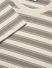 Filippa K - Linnett Top - stribede t-shirts - green grey - 2