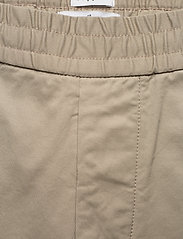 Filippa K - M. Terry Short - tailored shorts - light sage - 3