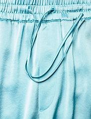 Filippa K - Hayley Satin Trouser - bukser med brede ben - turquoise - 3