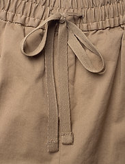 Filippa K - Jessa Short - shorts casual - muddy brow - 3