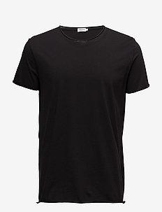 M. Roll Neck Tee - basic t-shirts - black