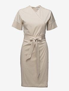 Belted Wrap Dress - slå-om-kjoler - bone