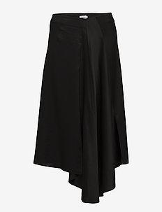 Drapey Satin Skirt - midinederdele - black