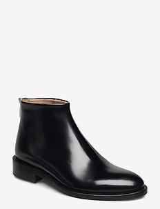 Clara Short Boot - flat ankle boots - black poli