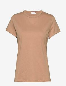 Edna T-Shirt - t-shirts - maplewood