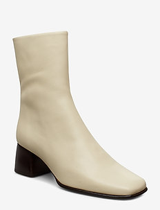 Eileen Leather Boot - IVORY
