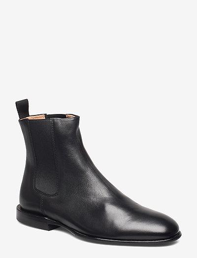 Fallon Low Chelsea Boot - schoenen - black napp