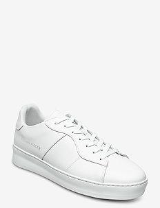 Light Plain Court - low tops - all white