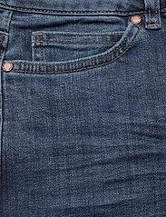 FIVEUNITS - Naomi 241 - utsvängda jeans - illusion blue auto - 2