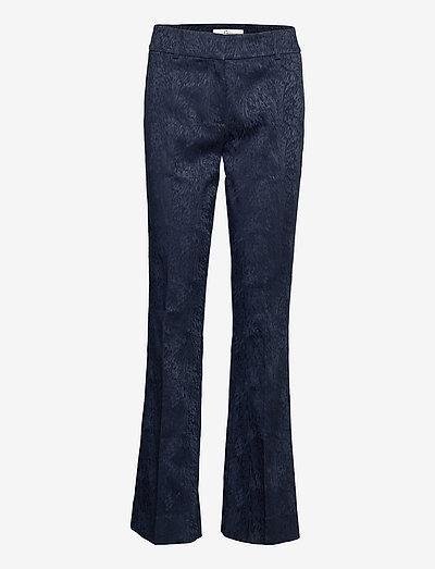 Clara Navy Flow Jaquard - utsvängda jeans - navy flow jacquard