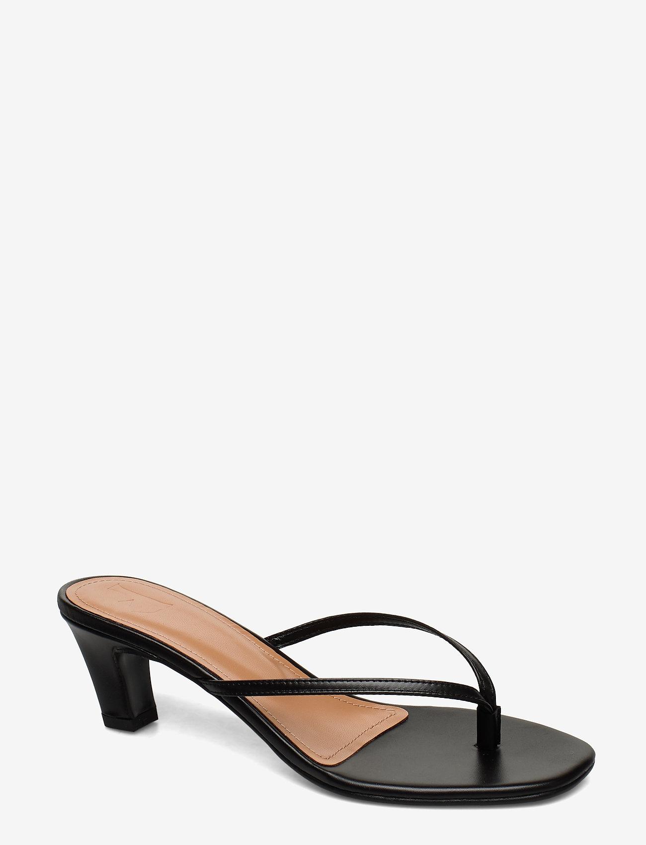 Flattered - Erin Cognac Nappa - mules & slipins - black - 0