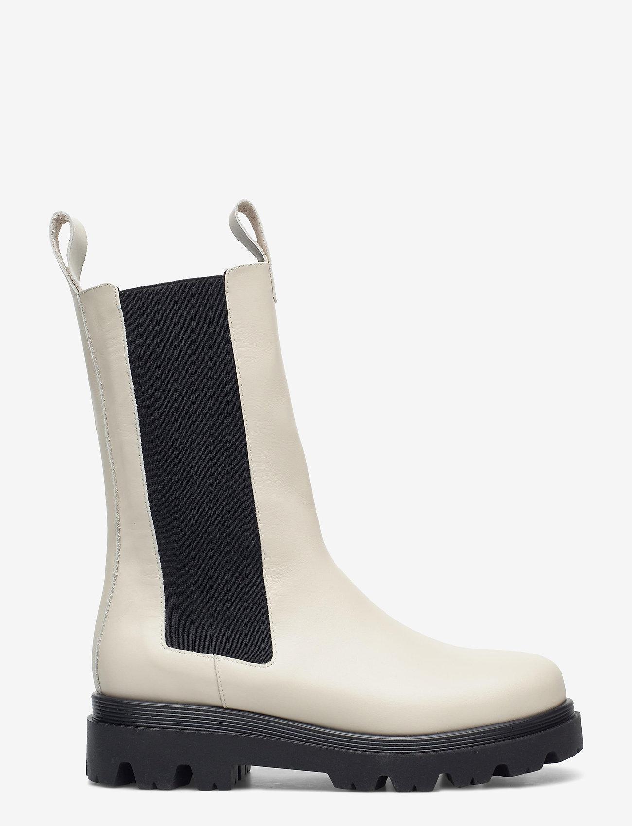 Flattered - Lia Black Leather - platte enkellaarsjes - creme - 1