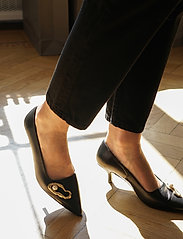 Flattered - Hailey Nappa / Oyster Pump - classic pumps - black - 0