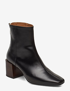 Inga Nappa Boot - BLACK