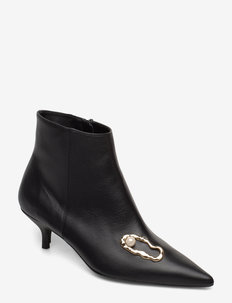 Kate Nappa / Oyster Pump - BLACK
