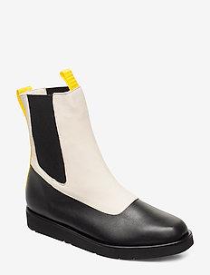 Ursula Nappa Boot - CREME