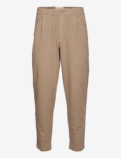 ASSEMBLY PANT - pantalons décontractés - coffee linen