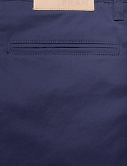 FRAM - Bygdøy Shorts - chinos shorts - outer space - 4