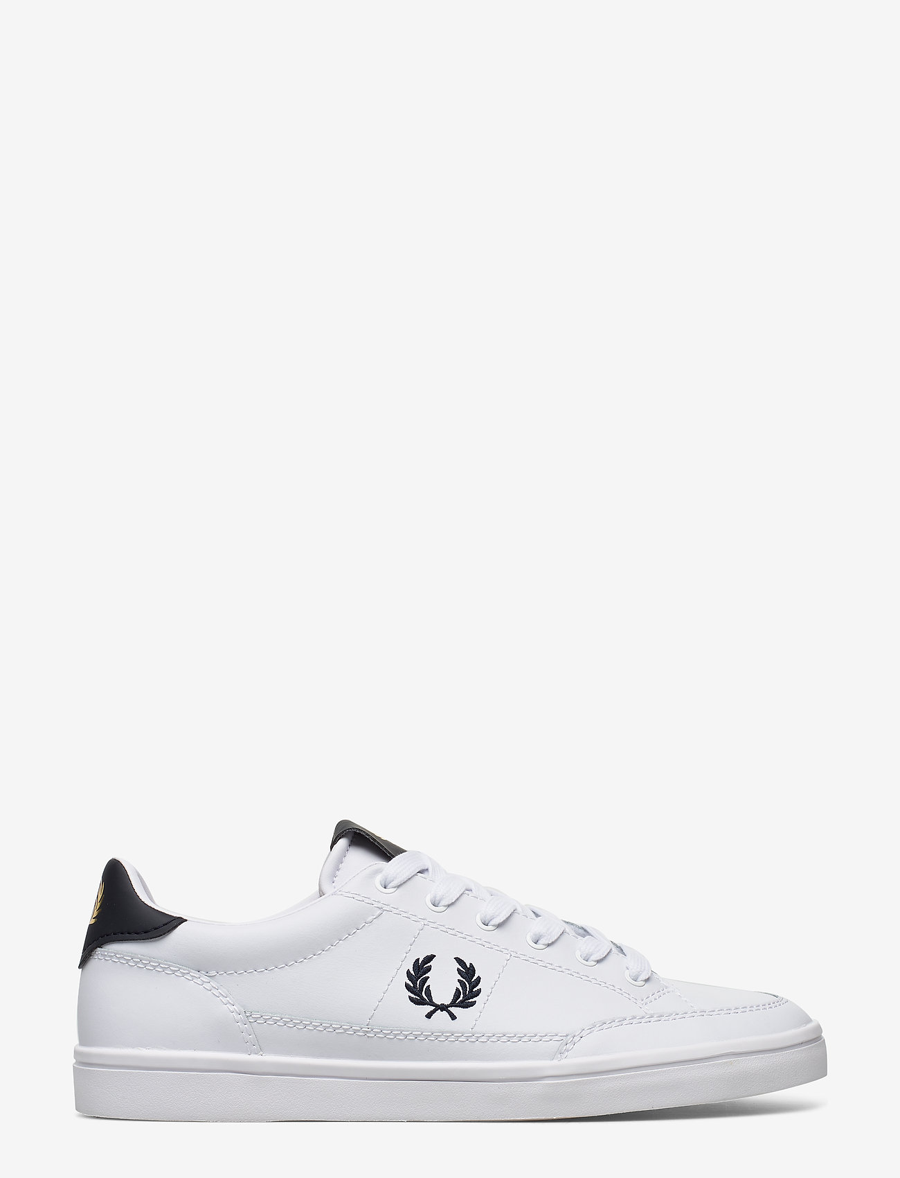 Deuce Leather (White) (749 kr) - Fred Perry
