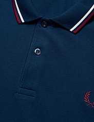 Fred Perry - TWIN TIPPED FP SHIRT - lyhythihaiset - deep marine/snwwht/tawny port - 2