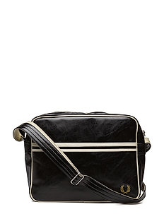 Classic Barrel Bag (Blackecru) (959.20 kr) Fred Perry
