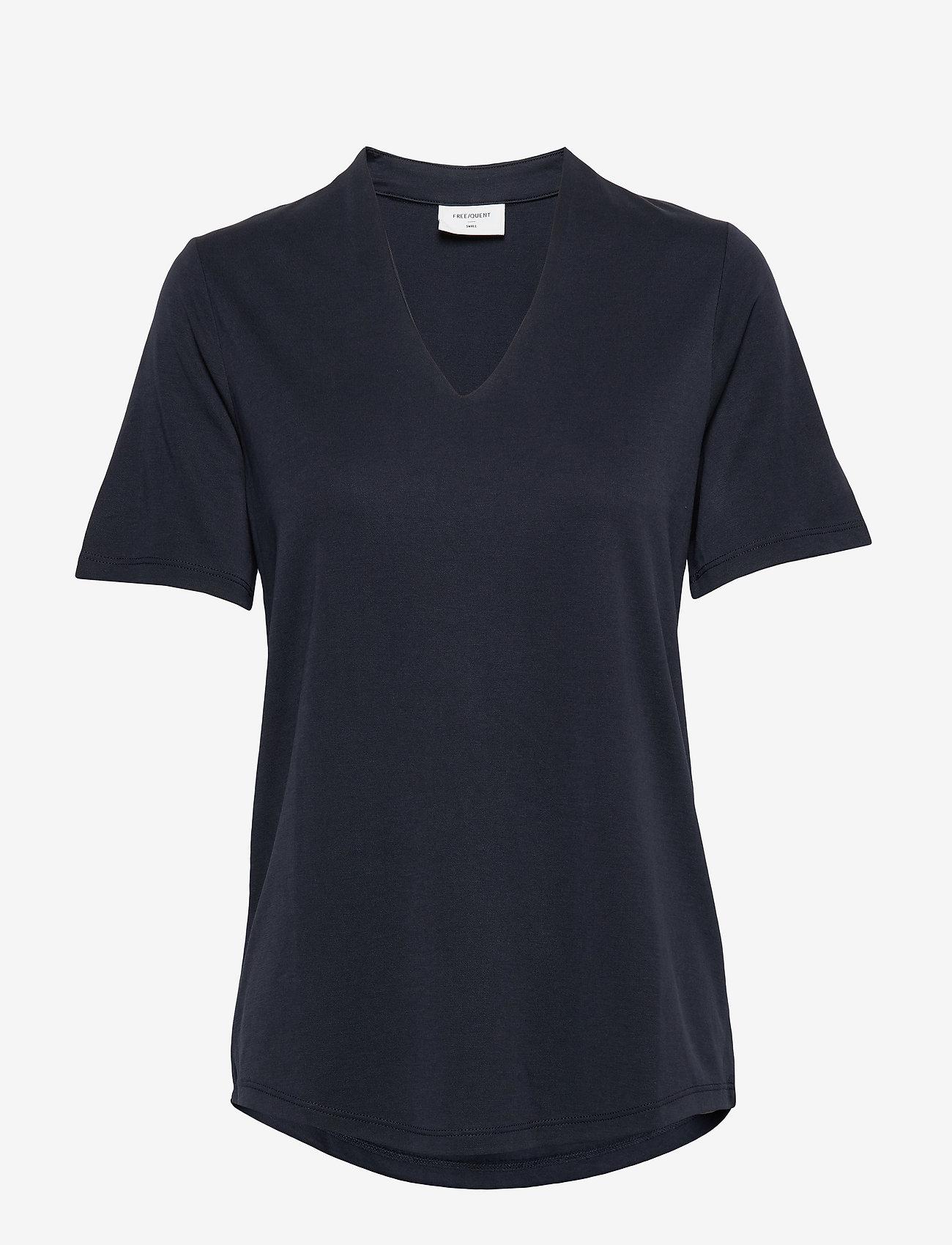 FREE/QUENT - FQYR-SS-BL - t-shirts - salute 19-4011 - 0