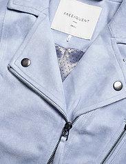 FREE/QUENT - BIRDIE-JA - skinnjakker - chambray blue 15-4030 tcx - 3
