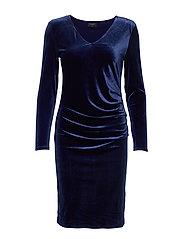 FQDAFINA-V-DR-SLIM-LS-VELVET - MEDIVAL BLUE 19-3933