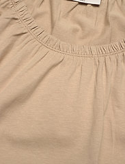 FREE/QUENT - BETINA-O-SS-SOLID - t-shirts - beige sand as cut - 2