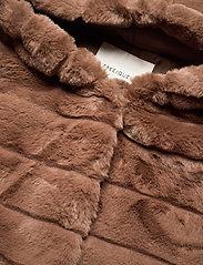 FREE/QUENT - FQFURBY-JA-HOOD - faux fur - amphora 17-1319 - 2