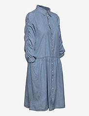 FREE/QUENT - FQBOBBY-DR-PUFF - zomerjurken - light blue denim - 3